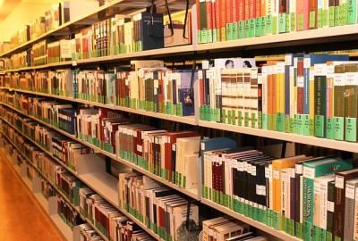 books-642676_640